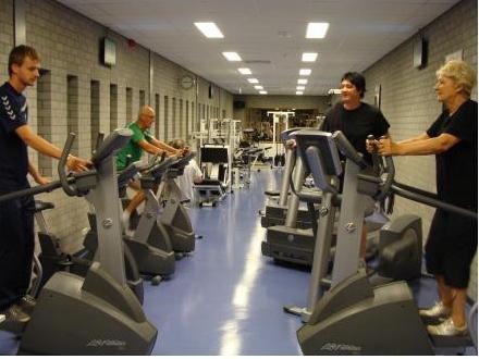 Fitness. Bijna dagelijks geopend vanaf 9.00 uur. Vanaf 17:30 uur van maandag t/m vrijdag.