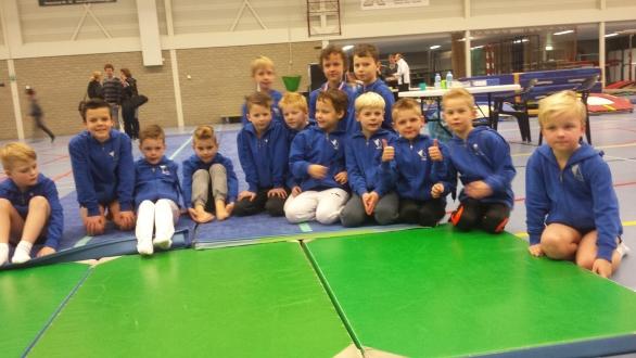 De 14 deelnemers van het team SV Twello