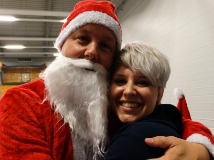 Ook de kerstman was van de partij bij de jaarlijkse kerstshow!