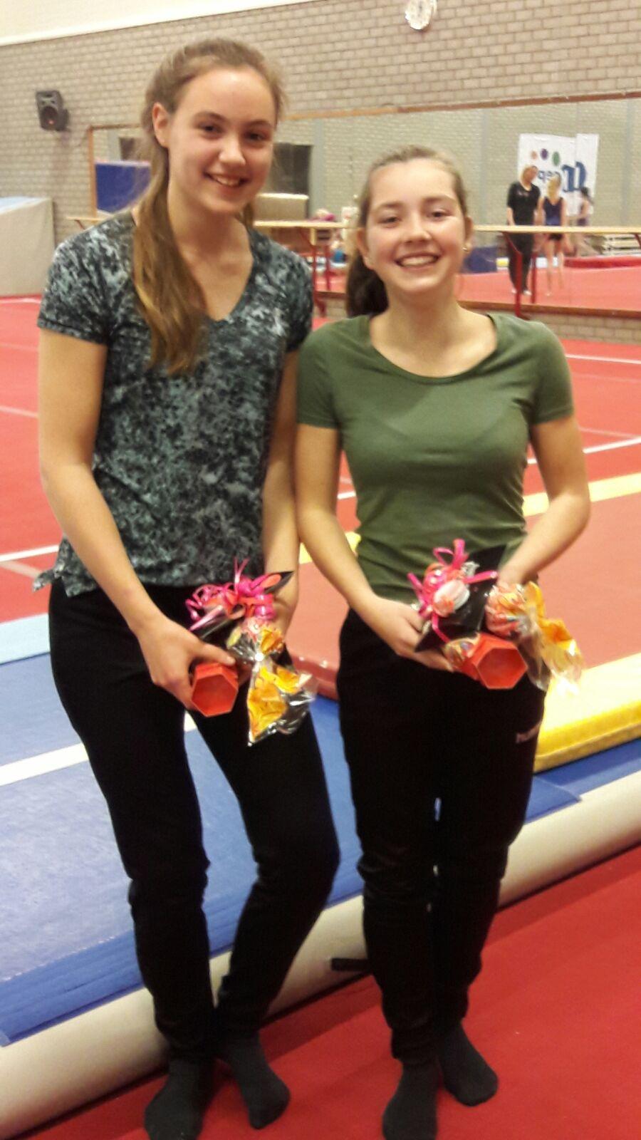 Iris en Josine hebben hun diploma gehaald!